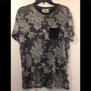 On the Byas short sleeve shirt Mens medium